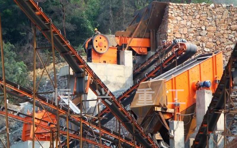 石头破碎制砂生产现场,碎石新利官网登录设备,瓜米石新利官网登录器